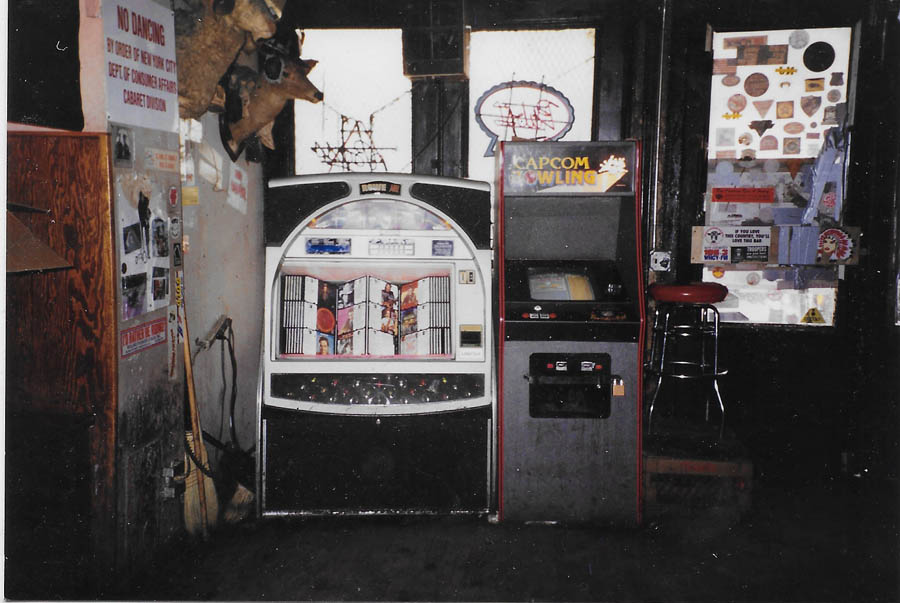 Hogs & Heifers Saloon_New York_400003