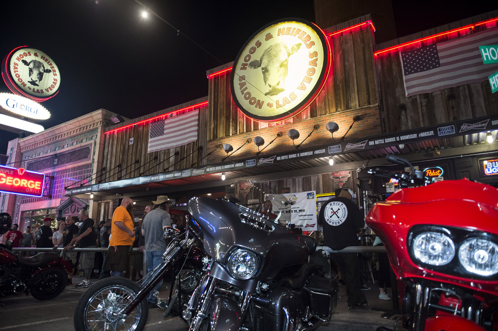 Hogs_and_Heifers_Saloon_Las_Vegas_0293