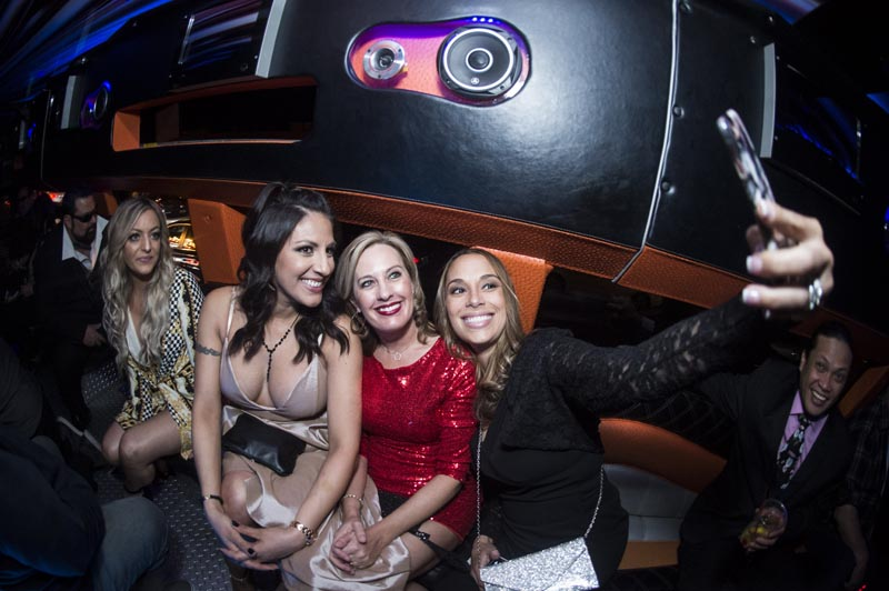 Hogs & Heifers Saloon Las Vegas_Moonshine Bandits_006485