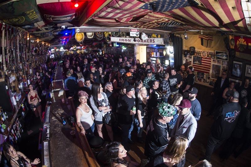 Hogs & Heifers Saloon Las Vegas_Moonshine Bandits_006505