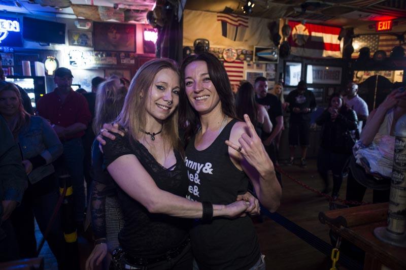 Hogs & Heifers Saloon Las Vegas_Moonshine Bandits_006530