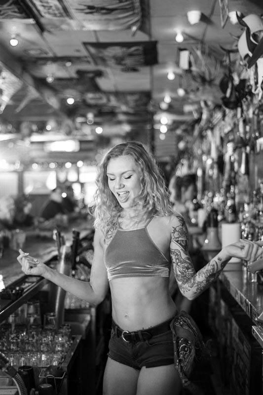 Hogs & Heifers Saloon Las Vegas_Bartender_000026