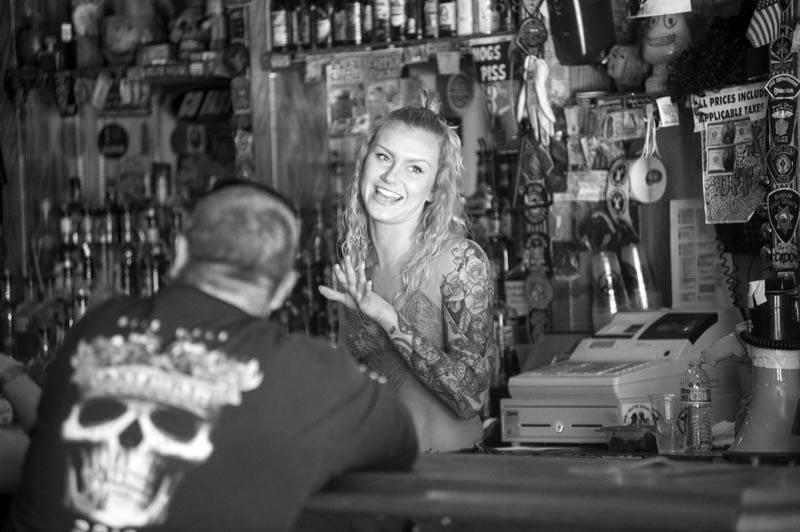 Hogs & Heifers Saloon Las Vegas_Bartender_000029