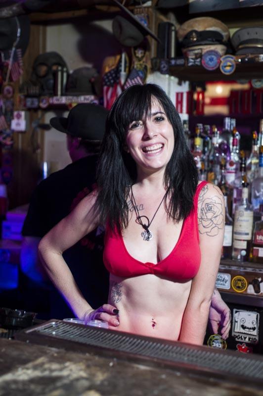 Hogs & Heifers Saloon Las Vegas_Bartenders_000218
