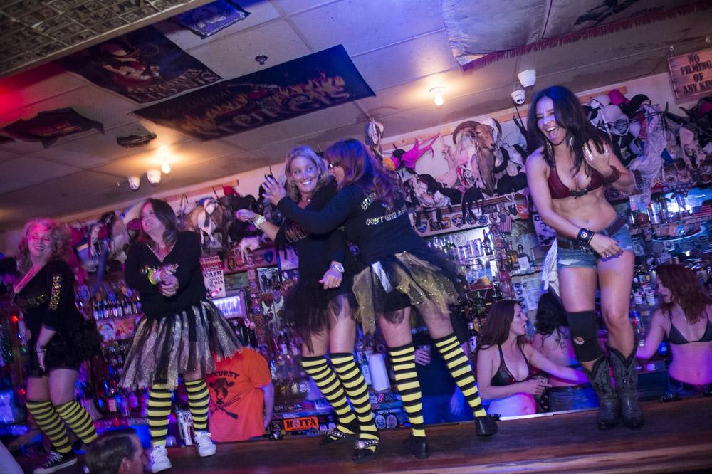 Hogs & Heifers Saloon Las Vegas_Motorcycle Rally_000353