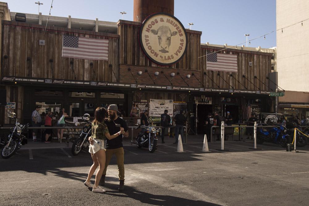Hogs & Heifers Saloon Las Vegas_Motorcycle Rally_000383