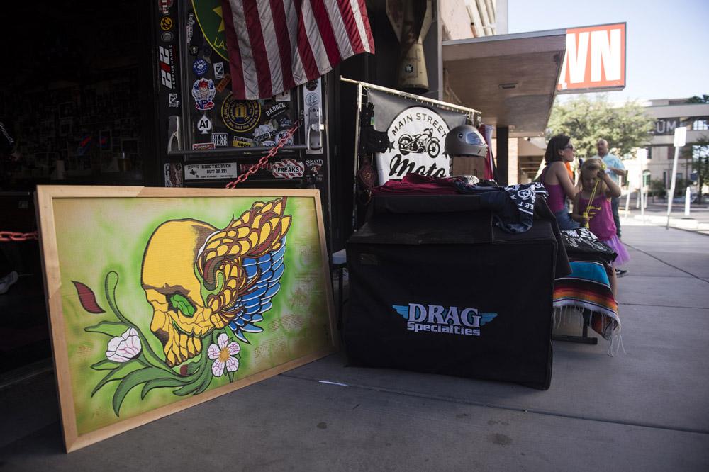 Hogs & Heifers Saloon Las Vegas_Motorcycle Rally_000386