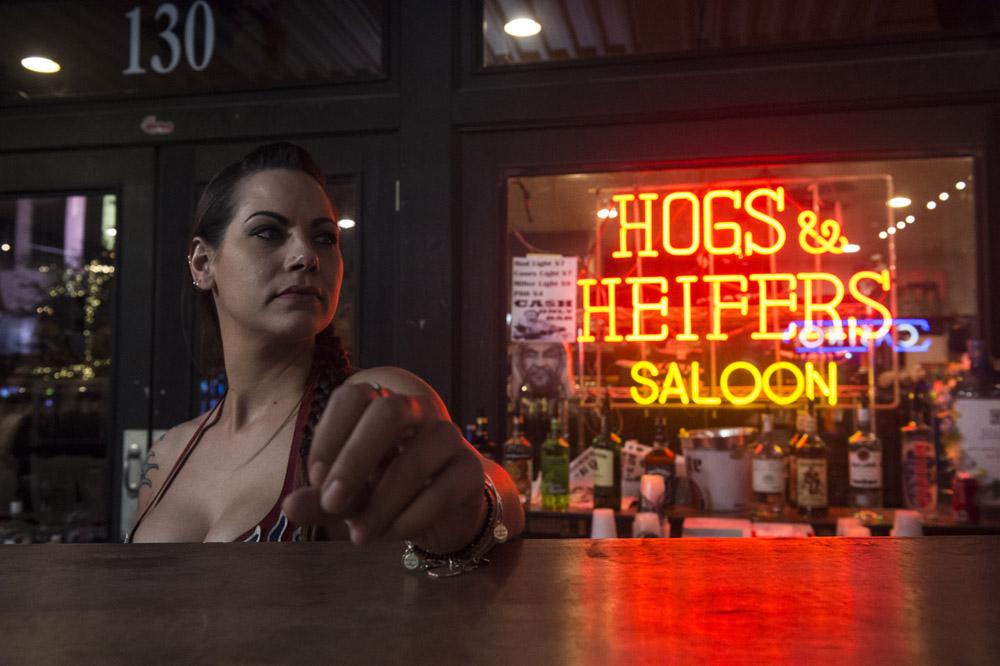 Hogs & Heifers Saloon Las Vegas_Motorcycle Rally_000425