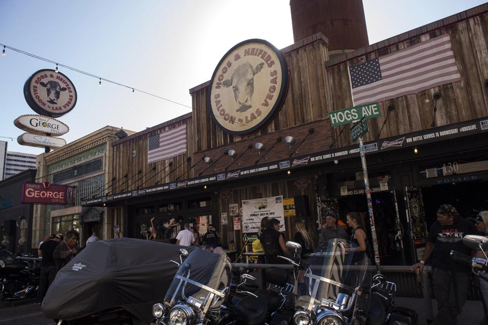 Hogs & Heifers Saloon Las Vegas_Motorcycle Rally_000481