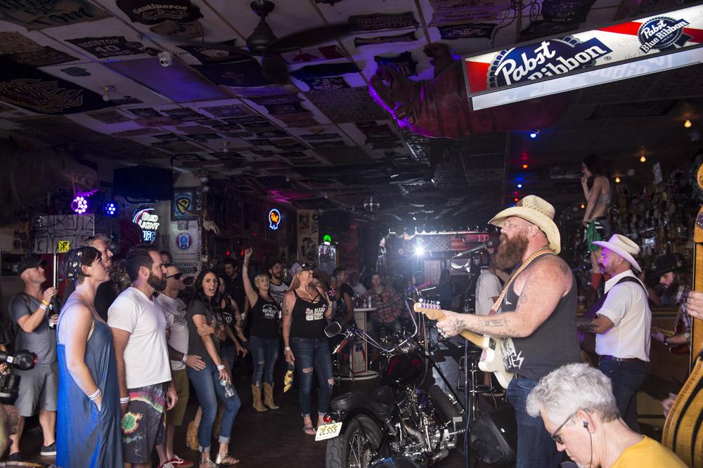 Hogs & Heifers Saloon Las Vegas_Motorcycle Rally_000488