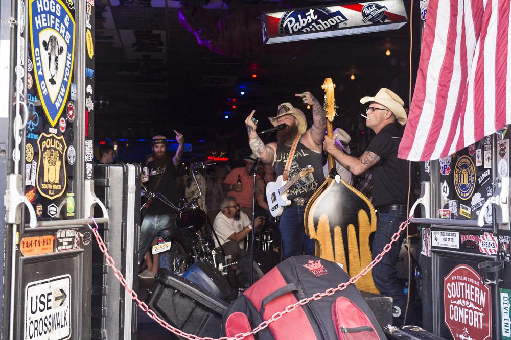 Hogs & Heifers Saloon Las Vegas_Motorcycle Rally_000503