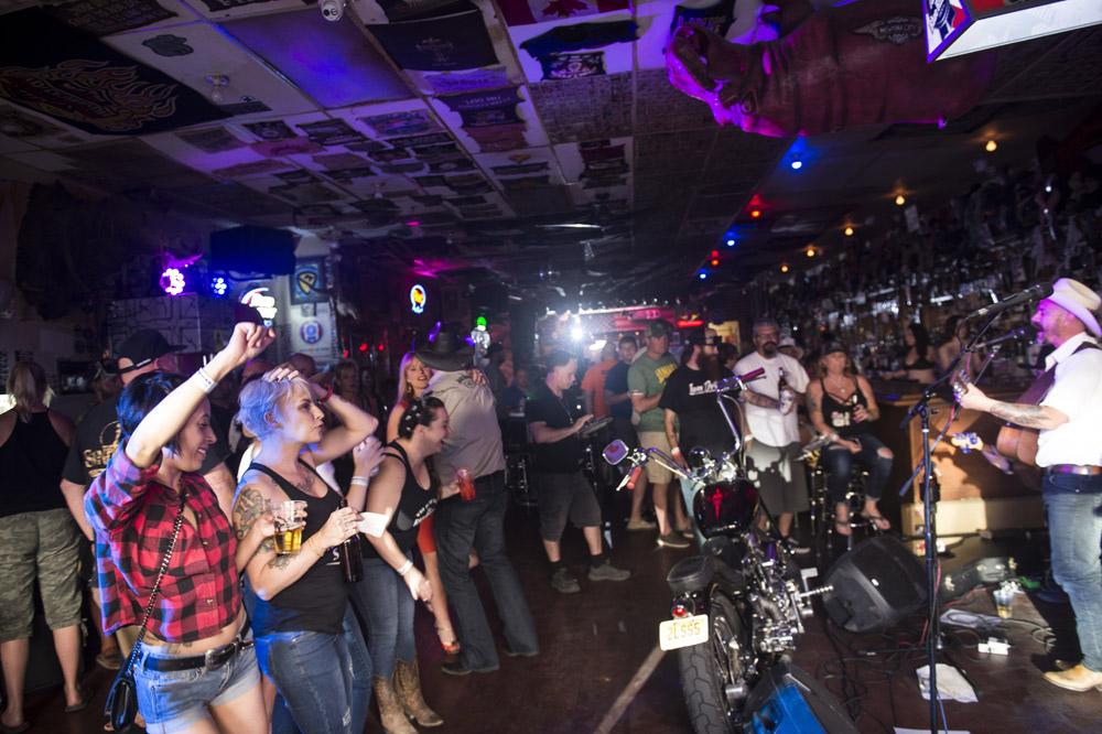 Hogs & Heifers Saloon Las Vegas_Motorcycle Rally_000507