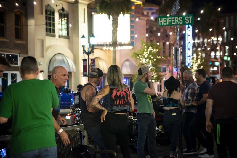 Hogs & Heifers Saloon Las Vegas_Motorcycle Rally_000571