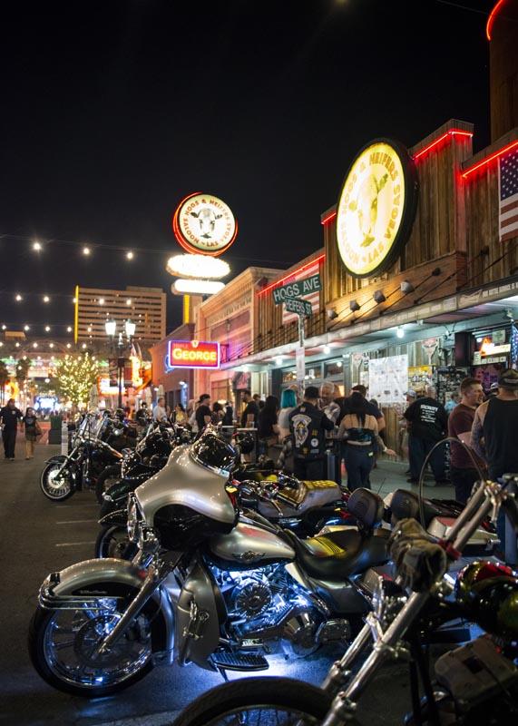 Hogs & Heifers Saloon Las Vegas_Motorcycle Rally_000584