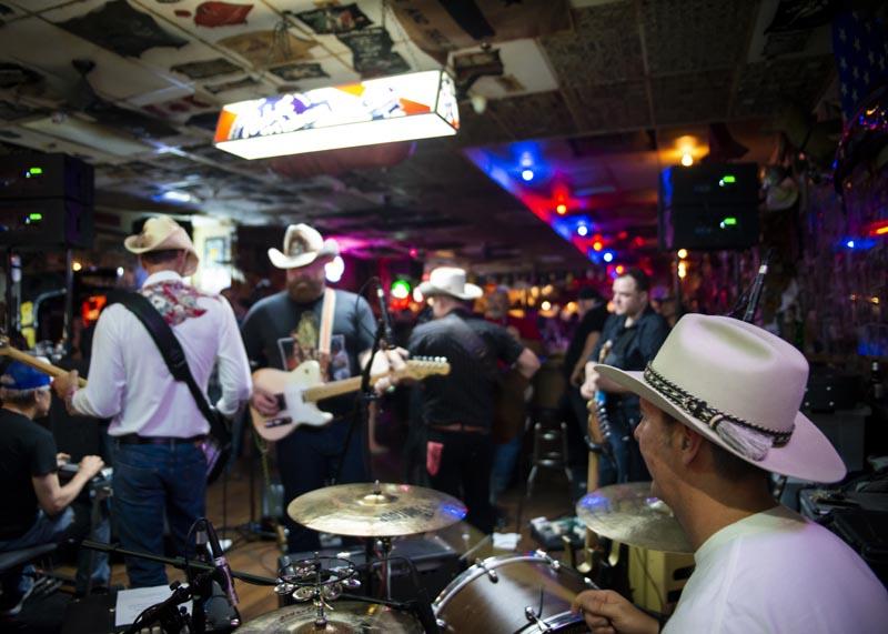 Hogs & Heifers Saloon Las Vegas_Motorcycle Rally_000608