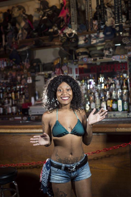 Hogs & Heifers Saloon Bartenders_000810
