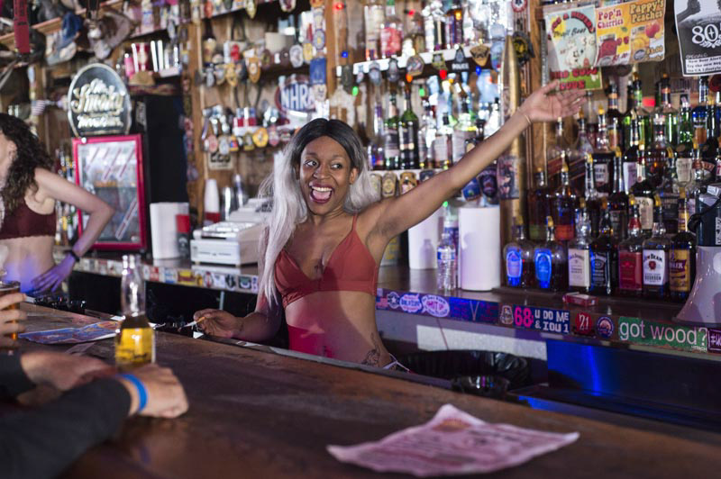 Hogs & Heifers Saloon Bartenders_000834