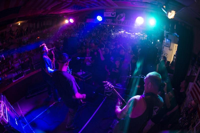 Hogs & Heifers Saloon Punk Rock Bowling_001128