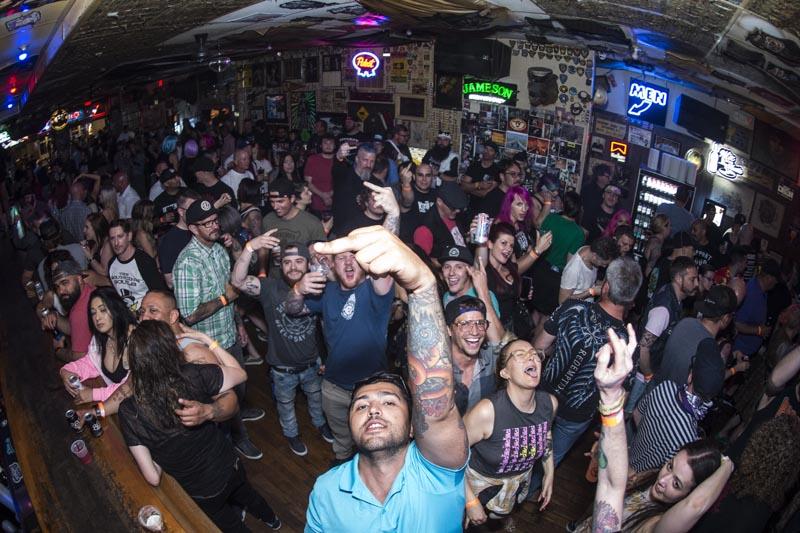 Hogs & Heifers Saloon Punk Rock Bowling_001211