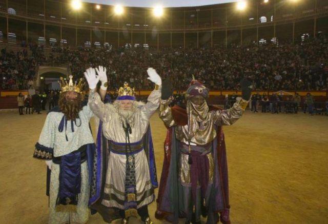Llegada de los Reyes Magos a la Plaza de Toros