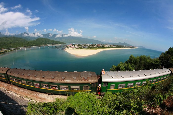 Hoi an to Hue by Private car transfer