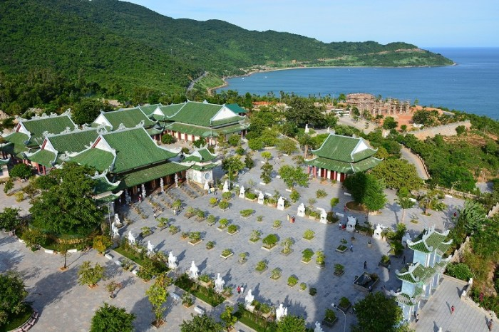 Hoi An to Danang by private car 1 day