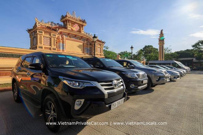 Luxury car Saigon to Muine