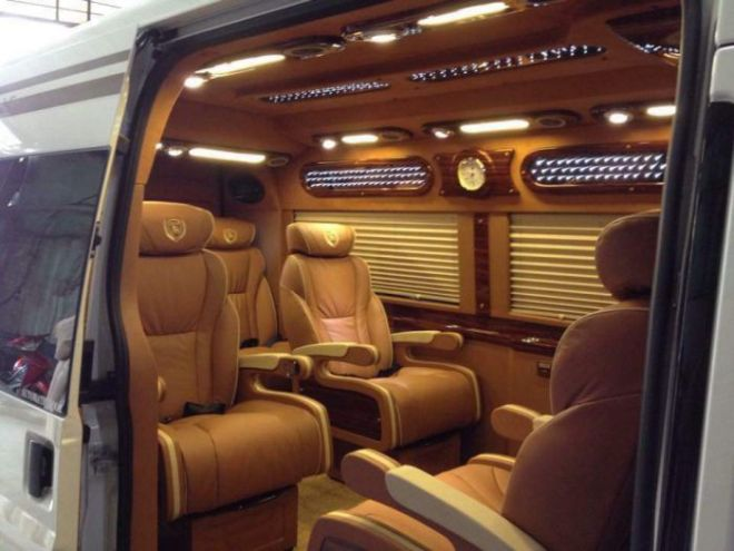 VNLC-Limousine-6_700
