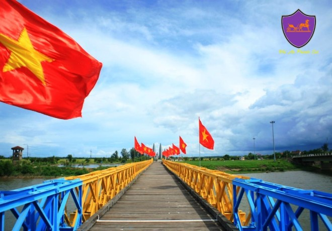 Hien Luong Bridge- Hoi An Private Car