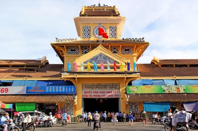Saigon-Car-Rental-Hoi-An-Private-Car-Travel-Transport (2)