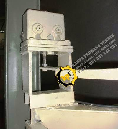 Alat keselamatan Cargo Lift
