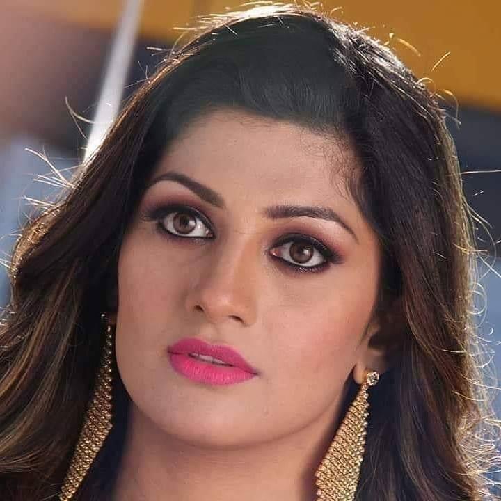Radhika Kumaraswamy Wiki, Age, Biography, Movies, and Beautiful Photos 110