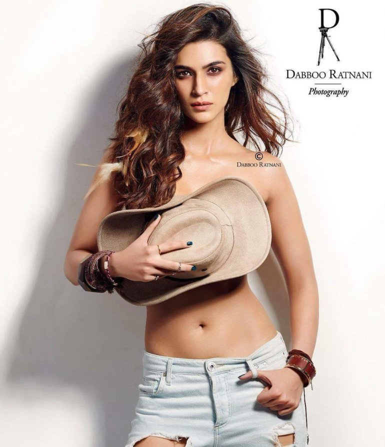 Top 15 Bollywood Actress Topless for The Photo Shoot of Dabboo ratnani calendar 138