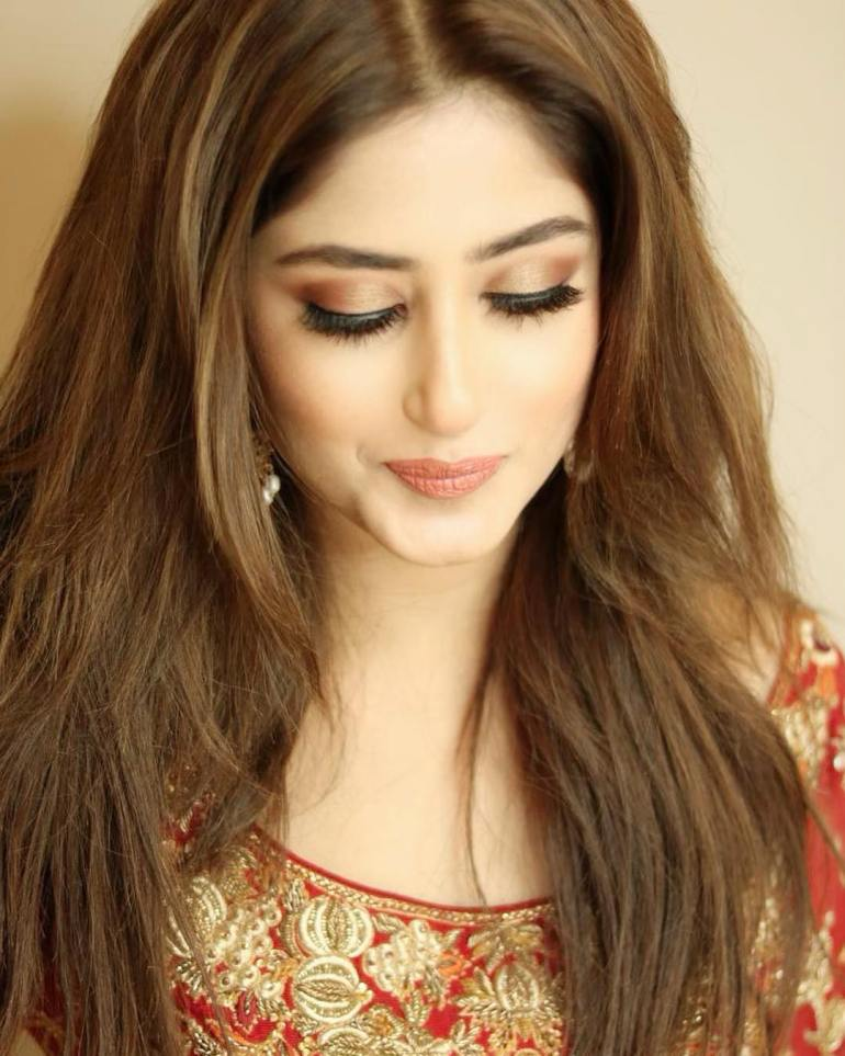 Sajal Aly Wiki, Age, Biography, Movies, and Beautiful Photos 101