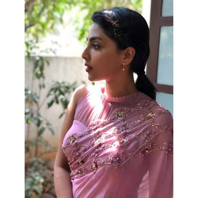 Aishwarya Lekshmi Wiki, Biography, Age, Boyfriend, and Beautiful Photos 158