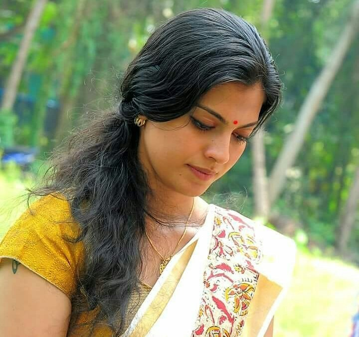 Anusree Wiki, Age, Biography, Movies, and Gorgeous Photos 147