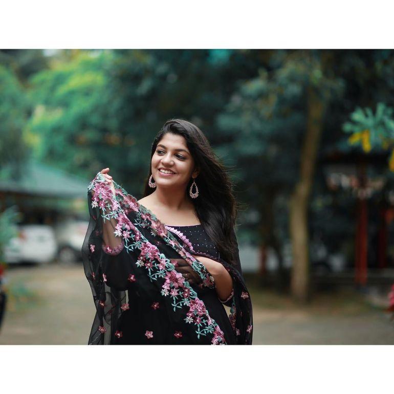 Aparna Balamurali Wiki, Biography, Age, Boyfriend, and Beautiful Photos 121