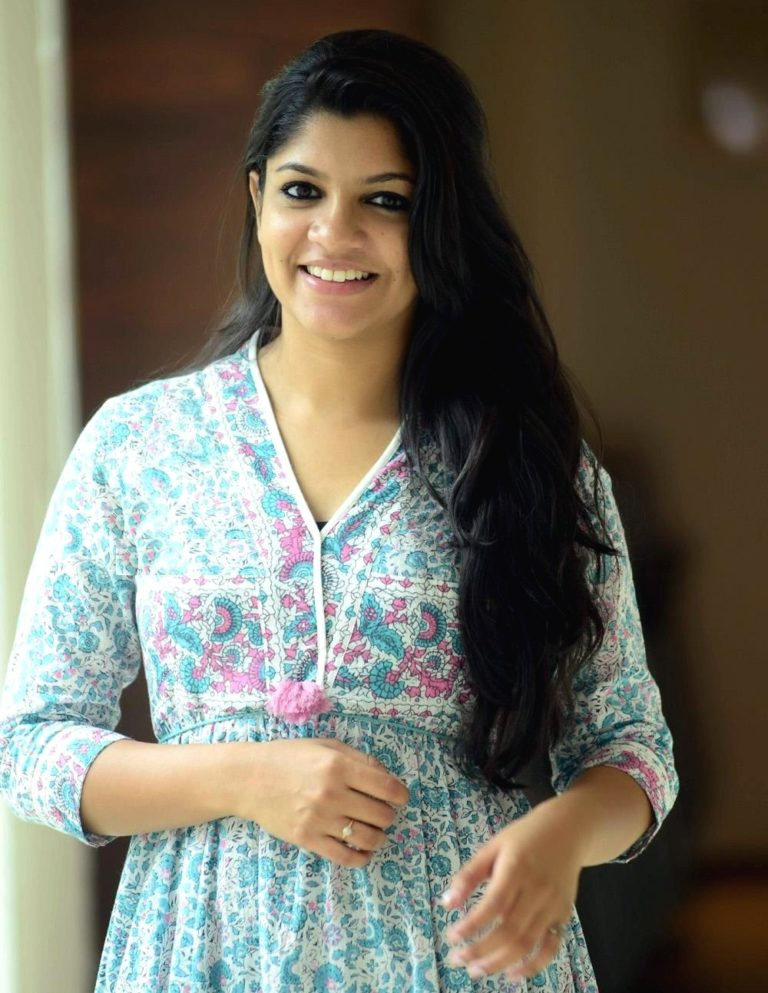 Aparna Balamurali Wiki, Biography, Age, Boyfriend, and Beautiful Photos 137
