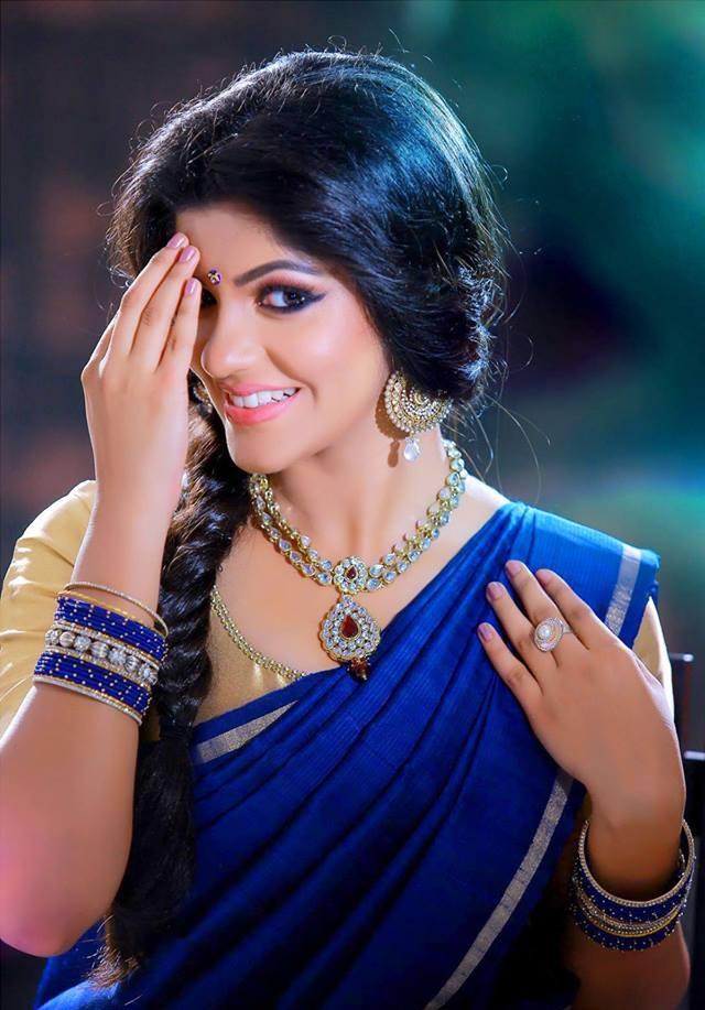 Aparna Balamurali Wiki, Biography, Age, Boyfriend, and Beautiful Photos 140