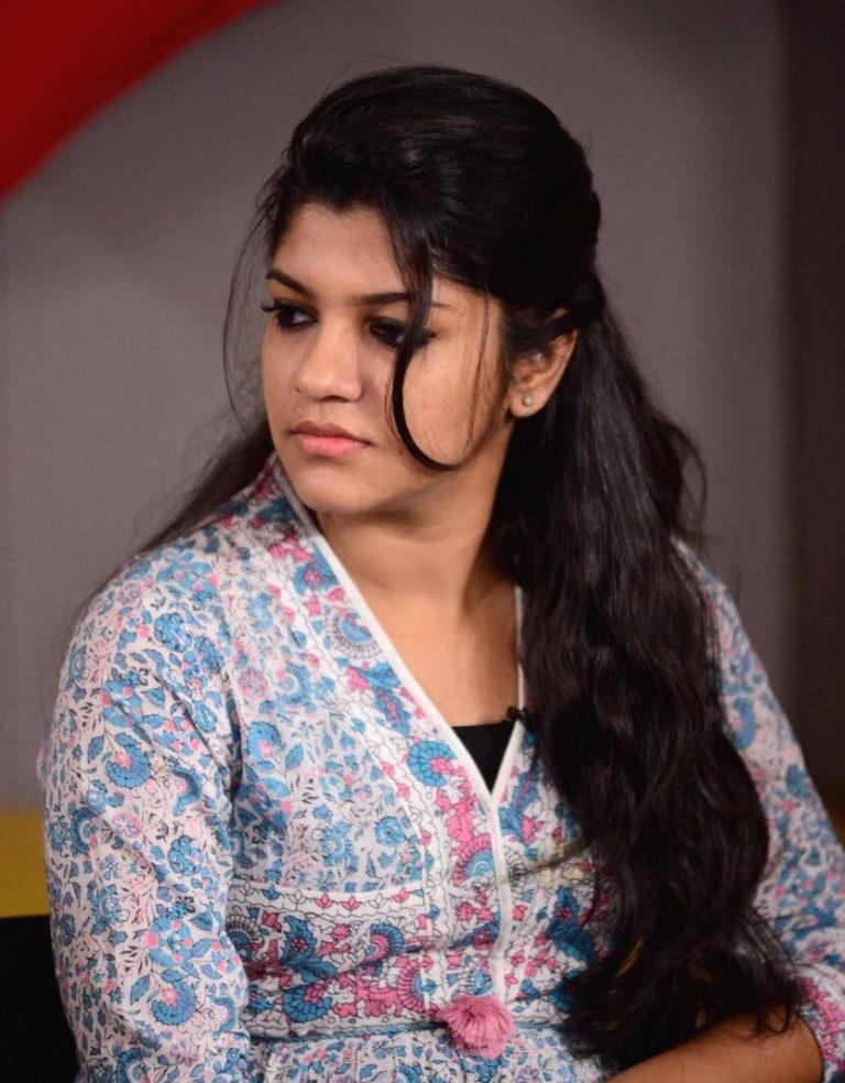 Aparna Balamurali Wiki, Biography, Age, Boyfriend, and Beautiful Photos 148