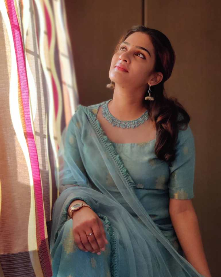 Aditi Ravi Wiki, Age, Biography, Movies, and Charming Photos 121