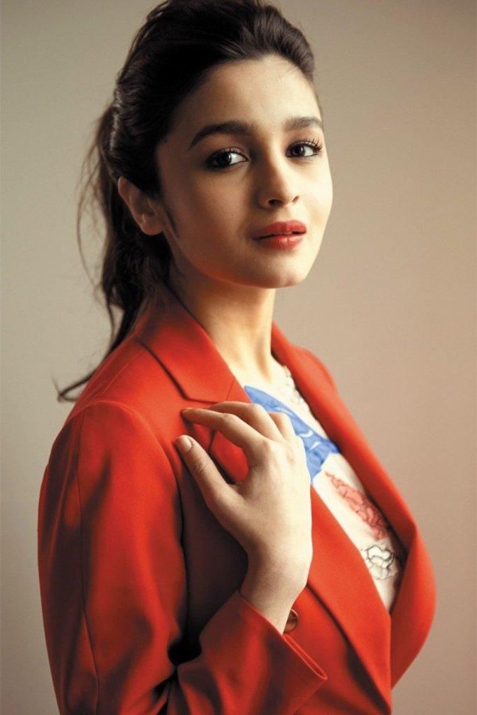 Top 15 Beautiful Bollywood actress of 2021 104