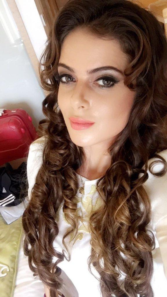 Alisha Abdullah Wiki, Age, Biography, Family, Career, and Beautiful Photos 122