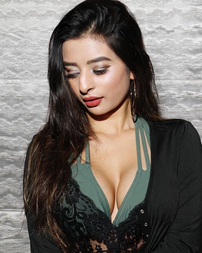 Ankita dave Wiki, Age, Biography, Movies, and Glamorous Photos 132