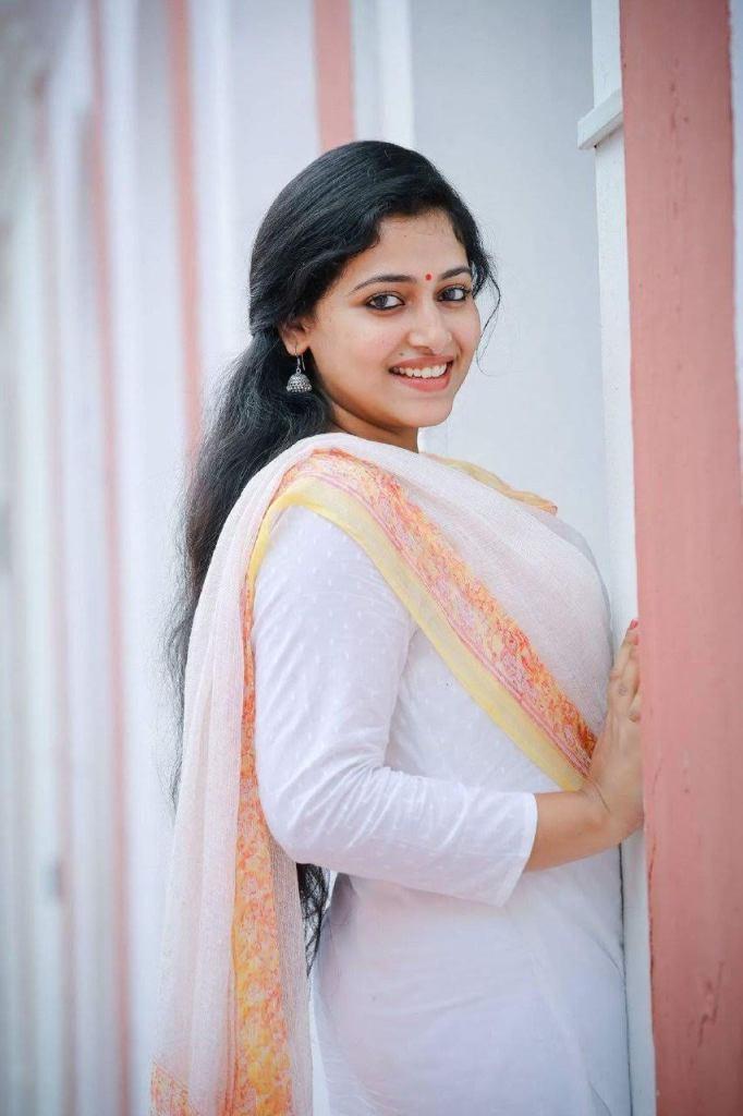 Anu SitharaWiki, Age, Biography, Movies, and Beautiful Photos 114