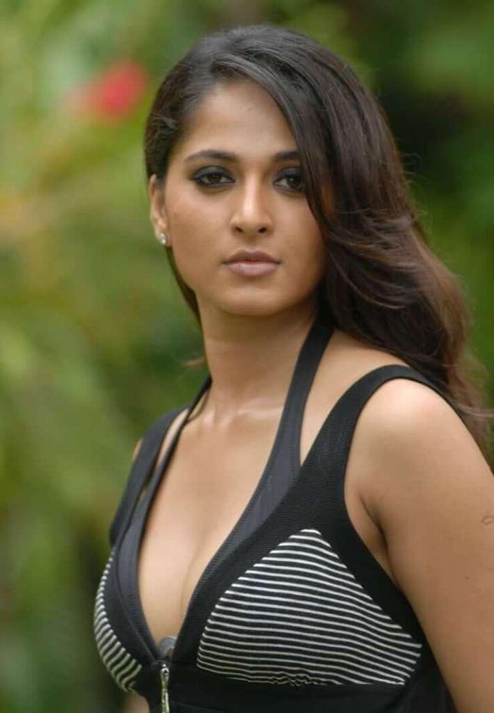 Anushka Shetty Wiki, Age, Biography, Movies, and Beautiful Photos 110