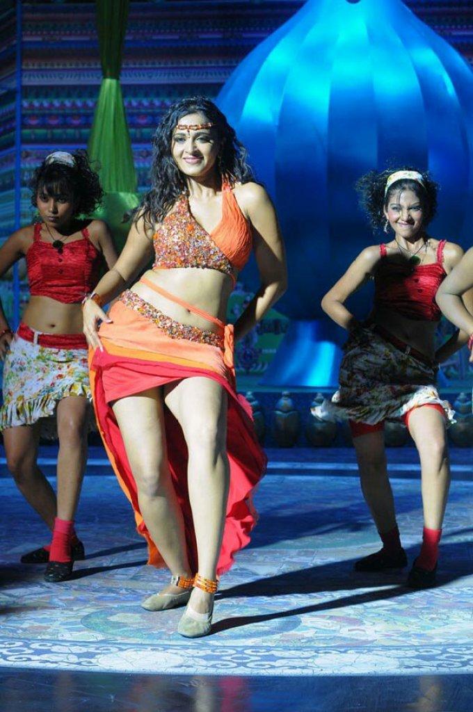 Anushka Shetty Wiki, Age, Biography, Movies, and Beautiful Photos 117