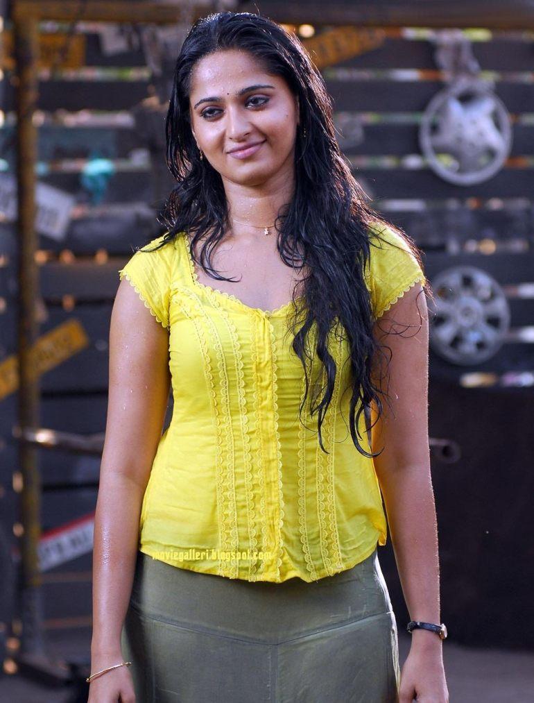 Anushka Shetty Wiki, Age, Biography, Movies, and Beautiful Photos 151