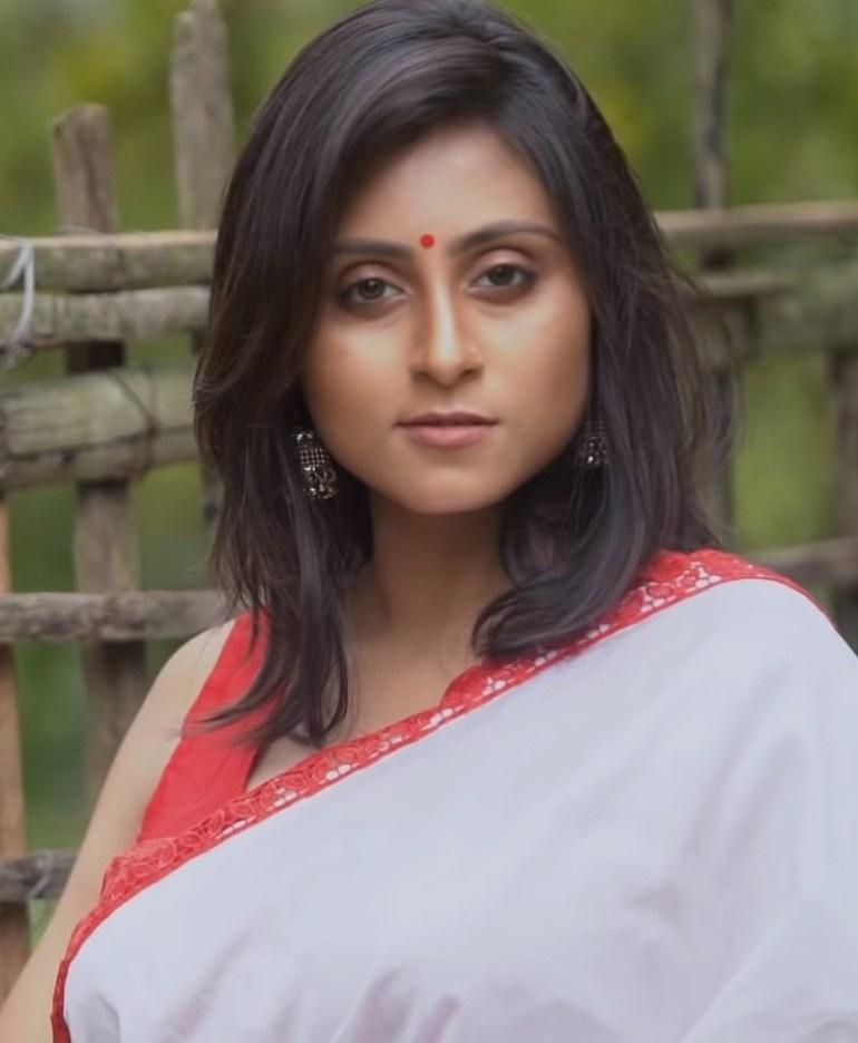 Bengali Model Priya Chakraborty Wiki, Age, Biography, Movies, and Beautiful Photos 108
