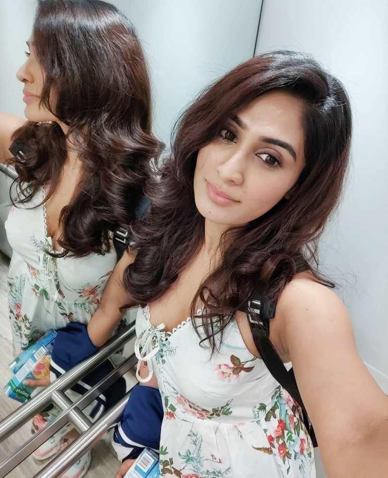 Deepti Sati Wiki, Age, Biography, Movies, and glamorous Photos 122